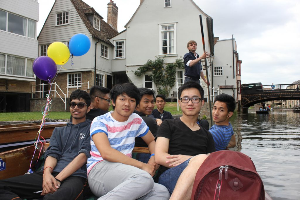 Abbey College Cambridge A Level Students Punting