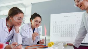 Abbey College Cambridge Chemistry class
